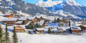 Ski resorts Switzerland   Huus Hotel   Exterior